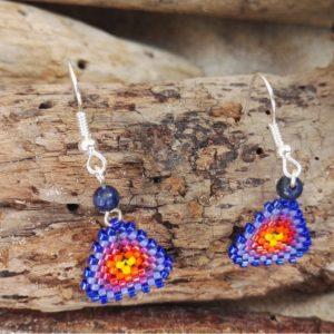 Boucles d'Oreilles Tissage Triangle Lever de Soleil Pierre semi précieuses Lapis lazuli