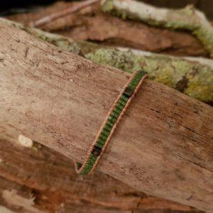 Bracelet wrap kaki lien de cuir naturel et cube en hématite