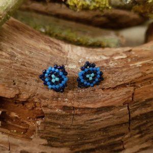 Boucles d'Oreilles Puces tissage triangle – camaieu bleu