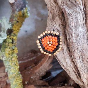 Broche pins tissage écusson – Orange Noir et Doré – Taille S