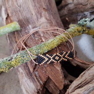 Bracelet Tissage Rectangle Zig Zag sur fil beige, Doré et Noir
