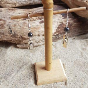 Boucles d'Oreilles pendantes simples – Tong et Hématite