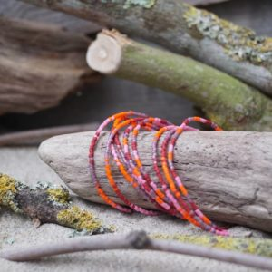 Bracelet simple rang – Lot de 9 – perles Miyuki sur câble fin – Sucre d'orge – Rose Orange Rouge et Mauve