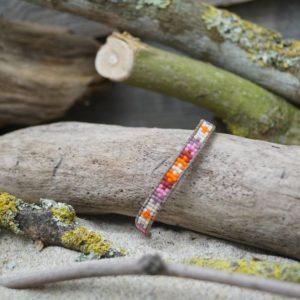 Bracelet tissage plat ethnique et wrap sur lien de cuir marron clair – Sucre d'orge – Rose, Orange, Rouge, Mauve et Beige