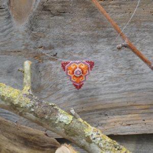 Collier Tissage Triangle sur Câble Sucre d'Orge – Rose, Rouge, Orange, Mauve et Blanc cassé – Taille L