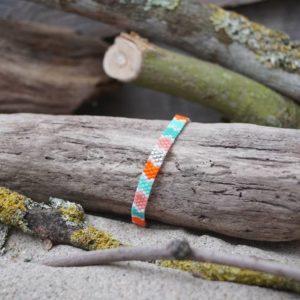 Bracelet tissage plat fin – Corail – zèbre – orange, saumon, vert pale, vert turquoise, argent et blanc- taille S