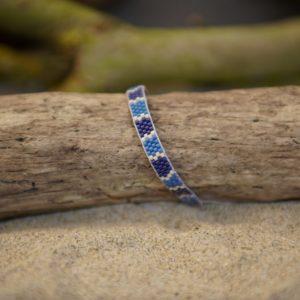 Bracelet tissage plat fin monté wrap fil gris– Océan Atlantique – zèbre – Beige, Bleu foncé et Bleu Roi  taille S