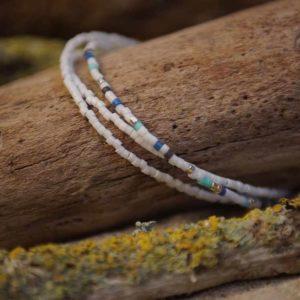 Bracelet triple rangs perles Miyuki sur câble fin – Bleu, vert d'eau , gris foncé et argent
