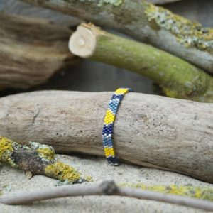 Bracelet tissage plat fin – Pagolin – zèbre – Bleu marine, gris bleu, jaune et argent- taille S