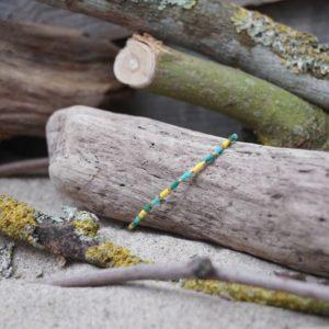 Bracelet simple rang – type 3 – perles Miyuki sur câble fin – Bahia –  Vert , Turquoise , Jaune et Doré