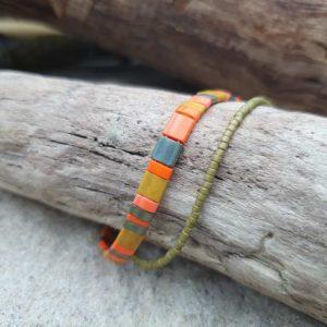 Bracelet  double – un plat perles carrées et  un fin mini perles –  Comanche – Orange, Kaki, Irisé et Ocre