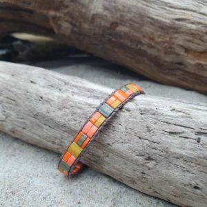 Bracelet  wrap cuir Brun – Comanche – perles carrées – Orange, Kaki, Irisé et Ocre