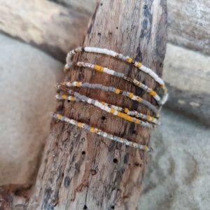 Bracelet simple rang – lot de 6 – minis perles sur câble fin – Naturel –  Ocre, Bronze, Ecru, Gris, Marbré